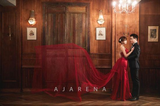 赤いカラードレス